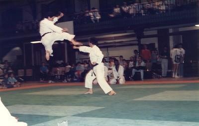 Coup de pied sauté par Maître Michel MORLON à Japy - Paris 1985