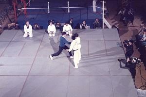 Démonstration avec Maître Michel Morlon et Bernard Giraudeau à Coubertin - Paris 1985